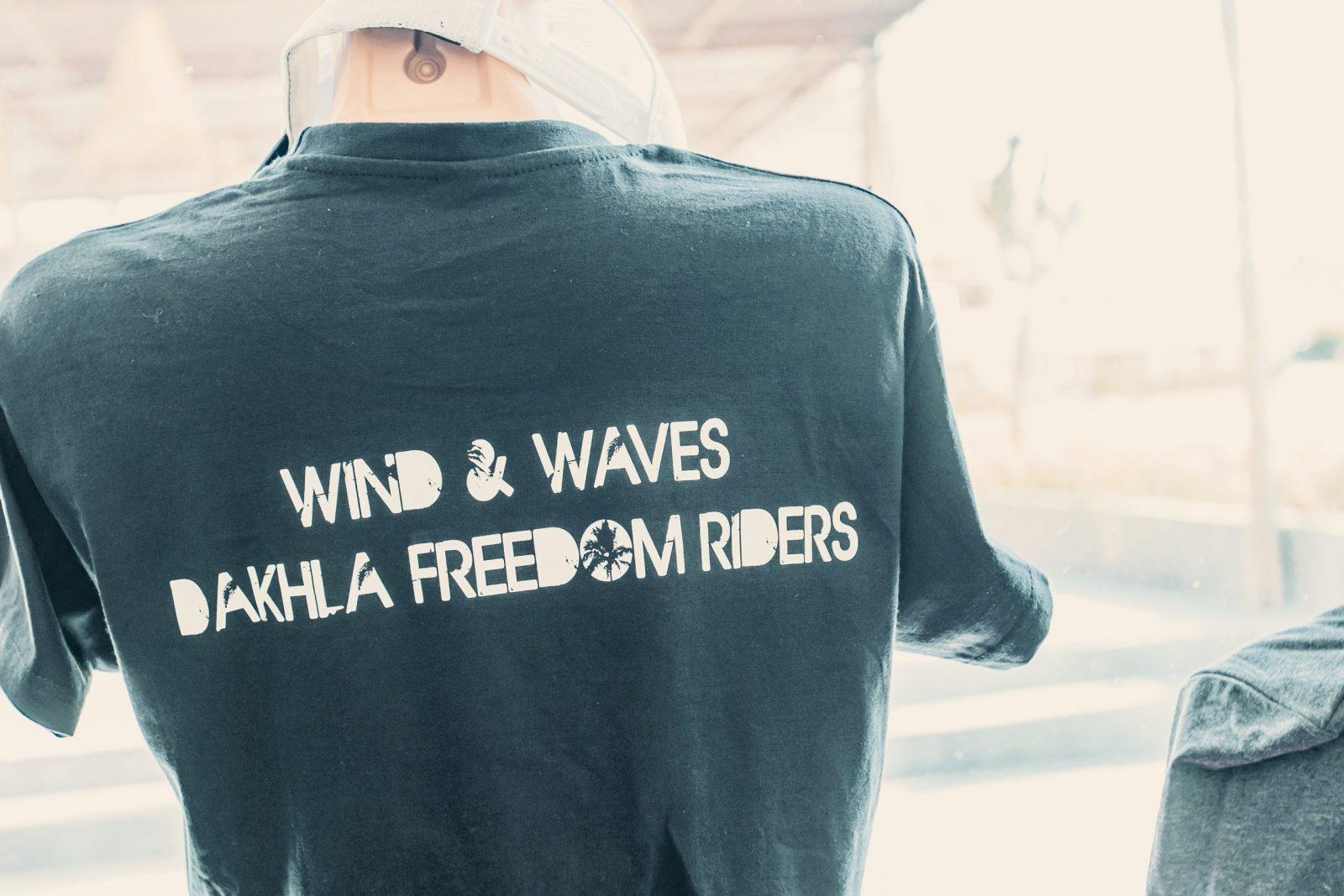 Dakhla Evasion a sa propre marque de vêtements, t shirt, poncho, casquettes